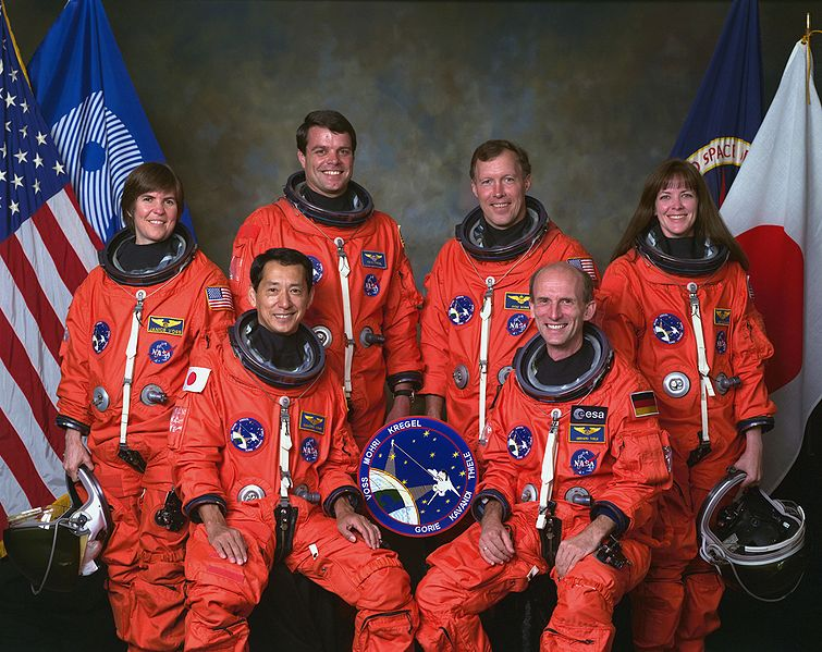 755px-STS-99_crew.jpg