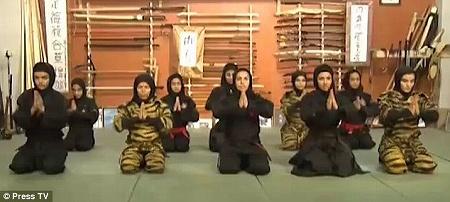 iran_ninja1208_01.jpg