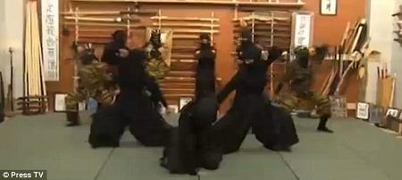 iran_ninja1208_02.jpg