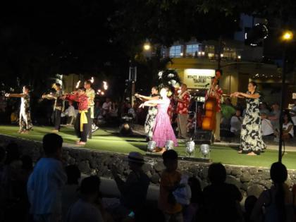 ハワイアンダンス