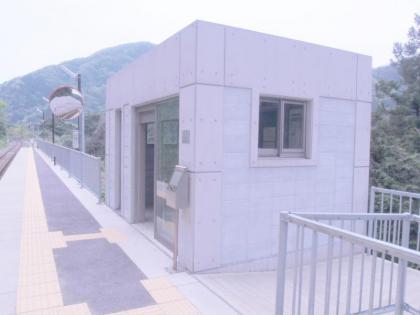 餘部駅駅舎