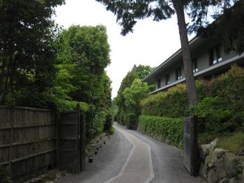 桜鶴苑アプローチ