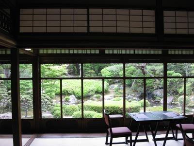 桜鶴苑 母家から庭