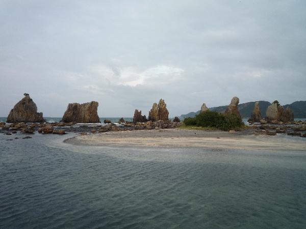 うおっち&ももの海水魚日記-橋食い岩