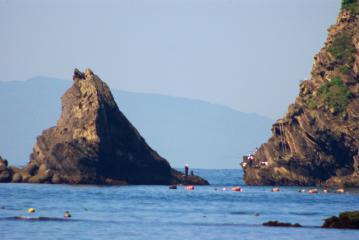 伊豆大島の島影