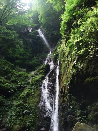 雨乞いの滝(雄滝)