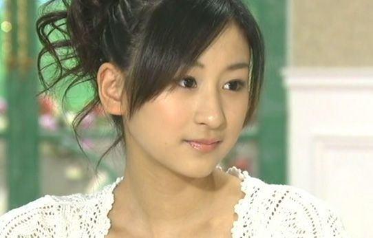 元フィギュアスケート選手、浅田舞の顔
