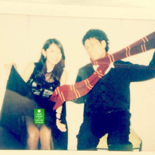 ℃-uteの鈴木愛理がファンとのツーショットチェキ会でパンチラ