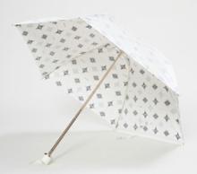 $そして日々は続く-日傘