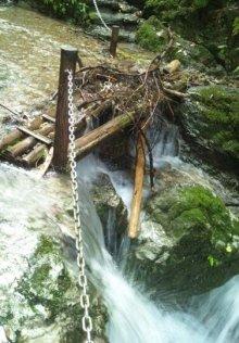 そして日々は続く-滝