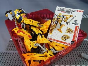 TF CONSTRUCT-BOTS TRIPLE CHANGER SERIES BUMBLEBEE005