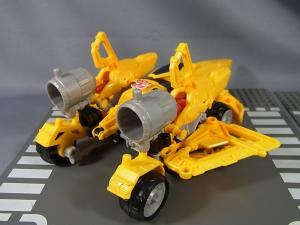TF CONSTRUCT-BOTS TRIPLE CHANGER SERIES BUMBLEBEE043