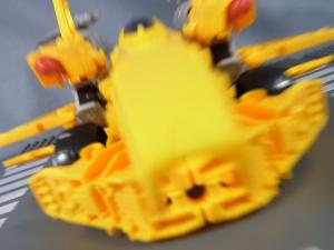 TF CONSTRUCT-BOTS TRIPLE CHANGER SERIES BUMBLEBEE048