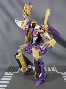 TFジェネレーションズ TG-22 ブリッツウィング ロボットモード015