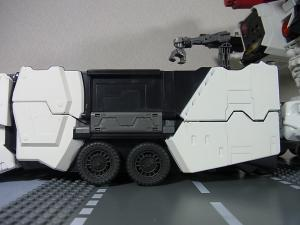 TFジェネレーションズ TG-23 メトロプレックス 移動要塞020