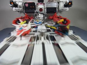 TFジェネレーションズ TG-23 メトロプレックス 移動要塞で遊ぼう027