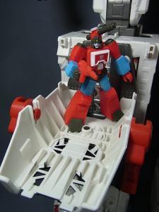 TFジェネレーションズ TG-23 メトロプレックス ロボットモード003