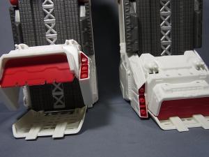 TFジェネレーションズ TG-23 メトロプレックス ロボットモード004