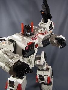 TFジェネレーションズ TG-23 メトロプレックス ロボットモード023