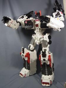 TFジェネレーションズ TG-23 メトロプレックス ロボットモード024