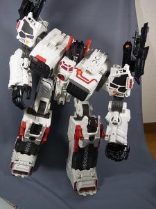 TFジェネレーションズ TG-23 メトロプレックス ロボットモード028