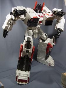 TFジェネレーションズ TG-23 メトロプレックス ロボットモード030