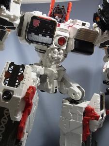 TFジェネレーションズ TG-23 メトロプレックス ロボットモード031