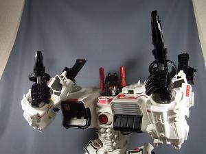 TFジェネレーションズ TG-23 メトロプレックス ロボットモード035