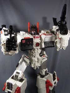 TFジェネレーションズ TG-23 メトロプレックス ロボットモード037