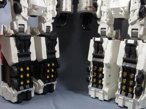 TFジェネレーションズ TG-23 メトロプレックス 達で遊ぼう005