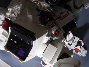 TFジェネレーションズ TG-23 メトロプレックス 達で遊ぼう023