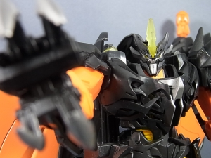 TF PRIME BEAST HUNTERS Ultimate Class BEAST FIRE PREDAKING019