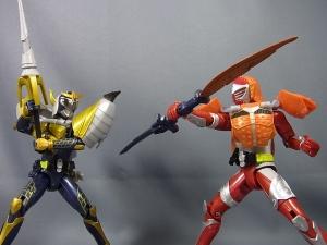 仮面ライダー鎧武 AC02 仮面ライダーバロン バナナアームズ 換装011