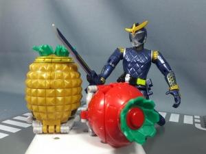 仮面ライダー鎧武 AC04 パインアームズイチゴアームズで遊ぼう007