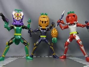 仮面ライダー鎧武 AC04 パインアームズイチゴアームズで遊ぼう019