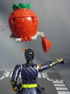 仮面ライダー鎧武 AC04 パインアームズイチゴアームズで遊ぼう026