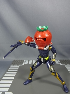 仮面ライダー鎧武 AC04 パインアームズイチゴアームズで遊ぼう027