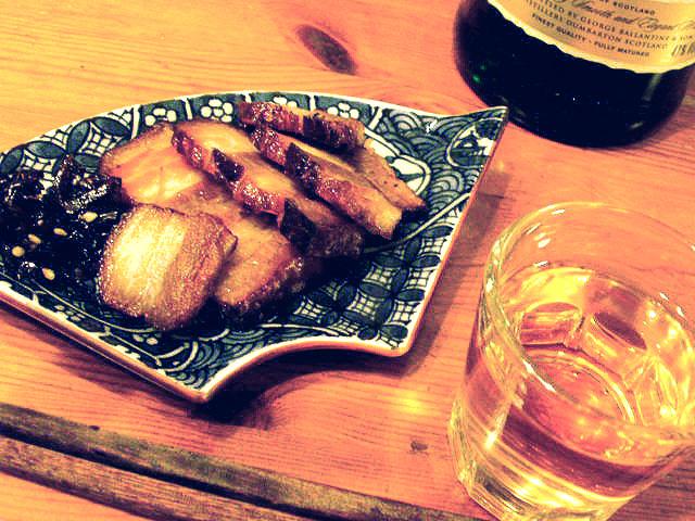 ウイスキーと炙りベーコン