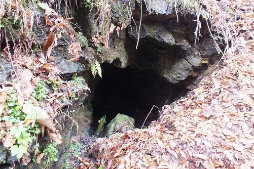 戸井鉱山鉱口8かつ