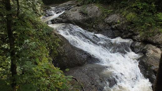 総主別川の滝 (8)●