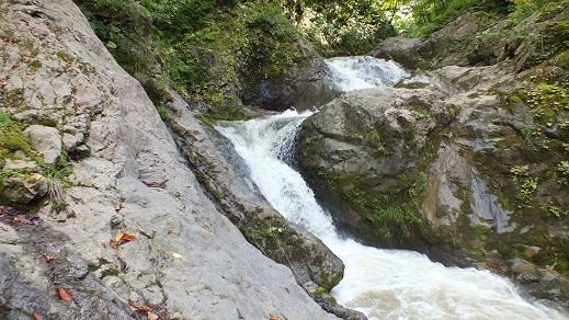 総主別川の滝 (11)●