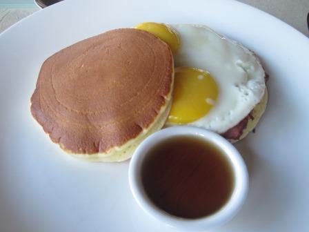 クンチビラ朝食パンケーキ