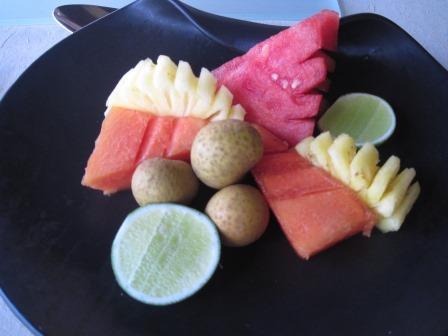クンチビラ朝食果物