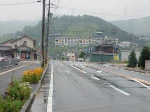 三日月は雨