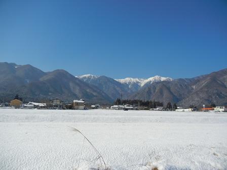 山里の雪景色