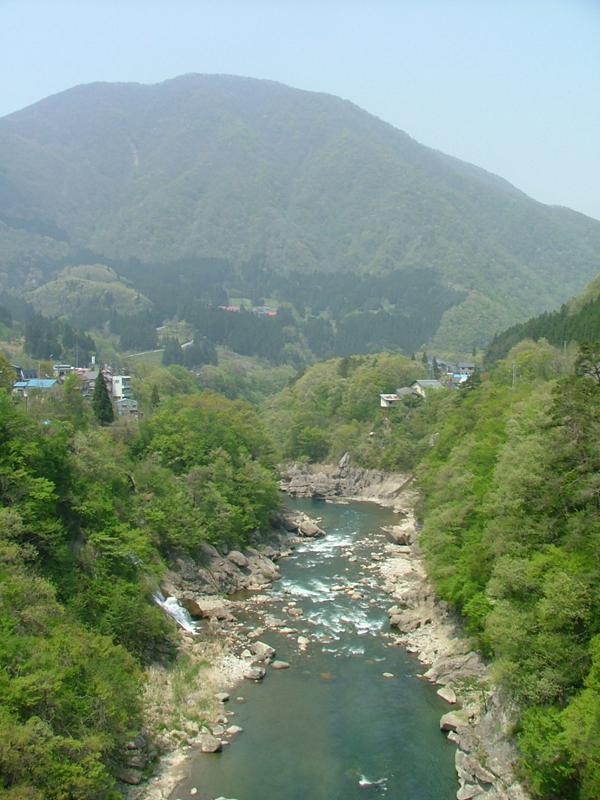 小野岳と大川渓谷