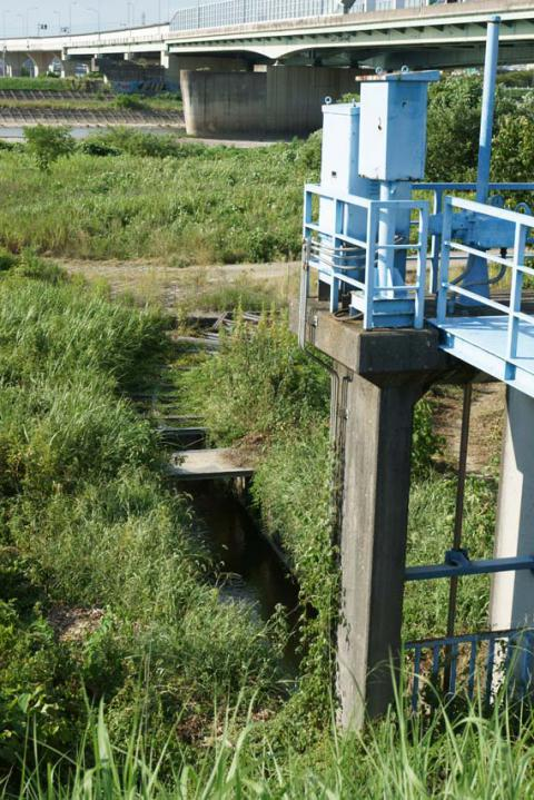 八ヶ村用水取水口20120826-1