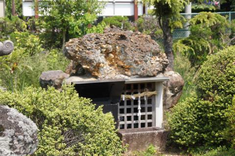 弁財天奥の院20110521-5