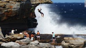 olympic-strange-sport7-rope-climbing.jpg