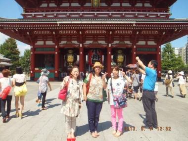 浅草寺と女子